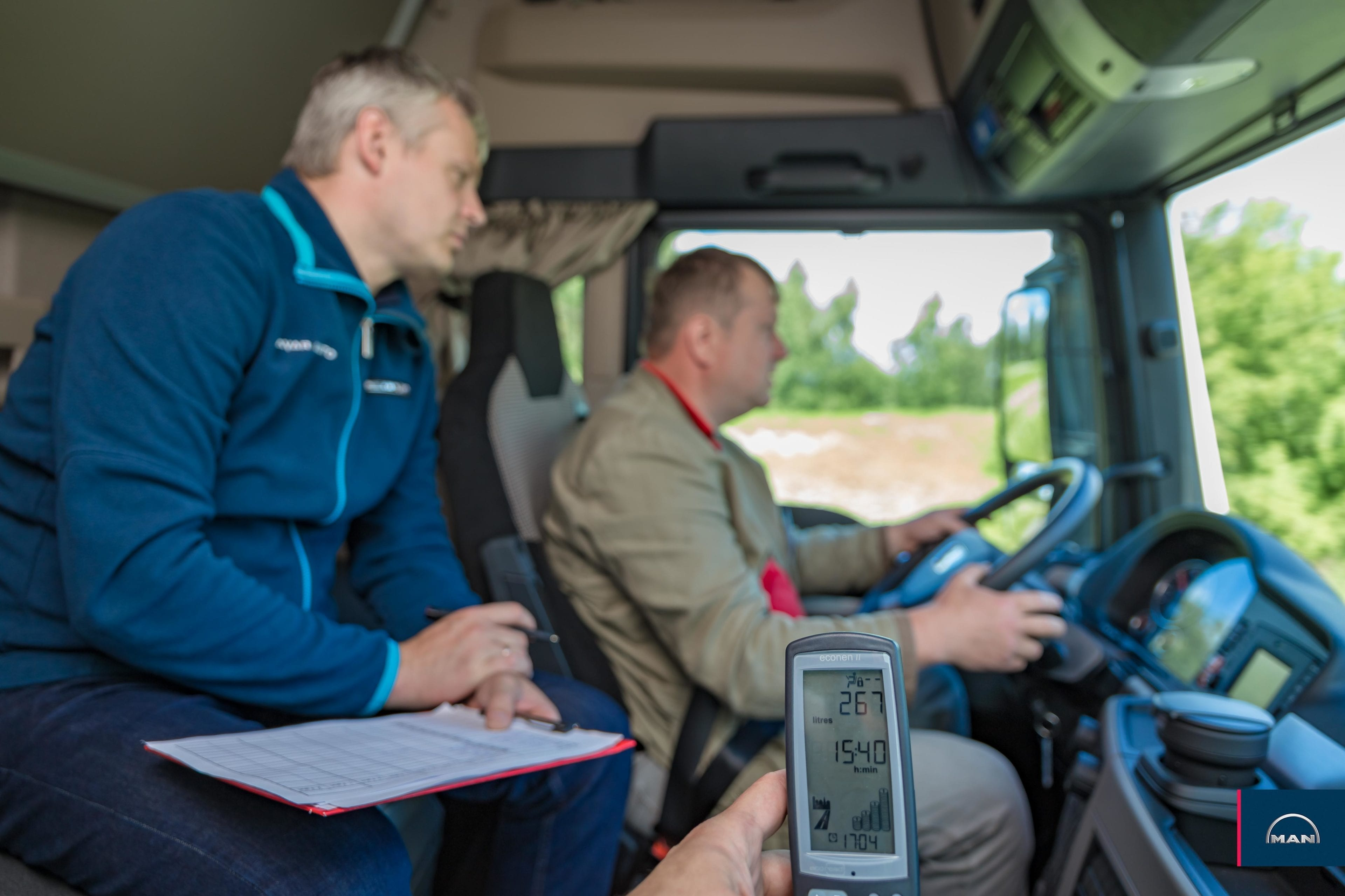 Курсы обучения эффективного и безопасного вождения для водителей грузовиков и автобусов MAN