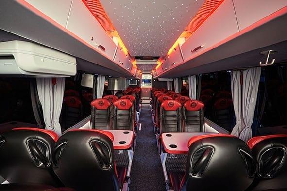 Ekskluzīvs Lion's Coach autobuss nonāk vācu futbola komandas īpašumā