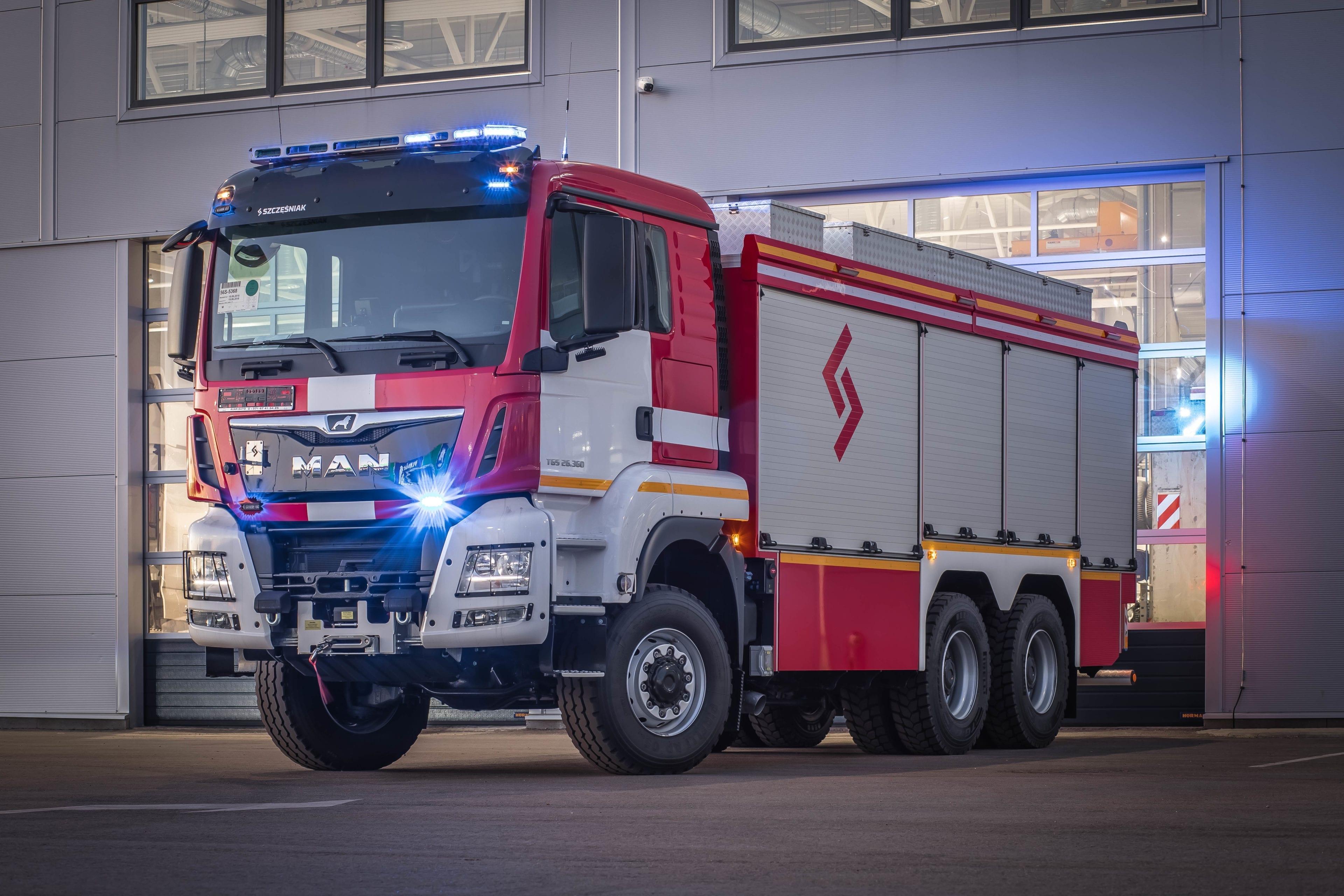 ВУГД получил 12 новых пожарных машин MAN TGS