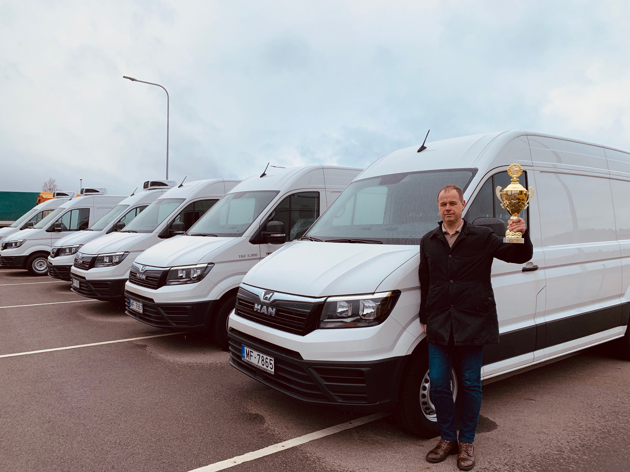 "AVAR AUTO salesman has been awarded as ""The Champion of the 2019 MAN TGE"""