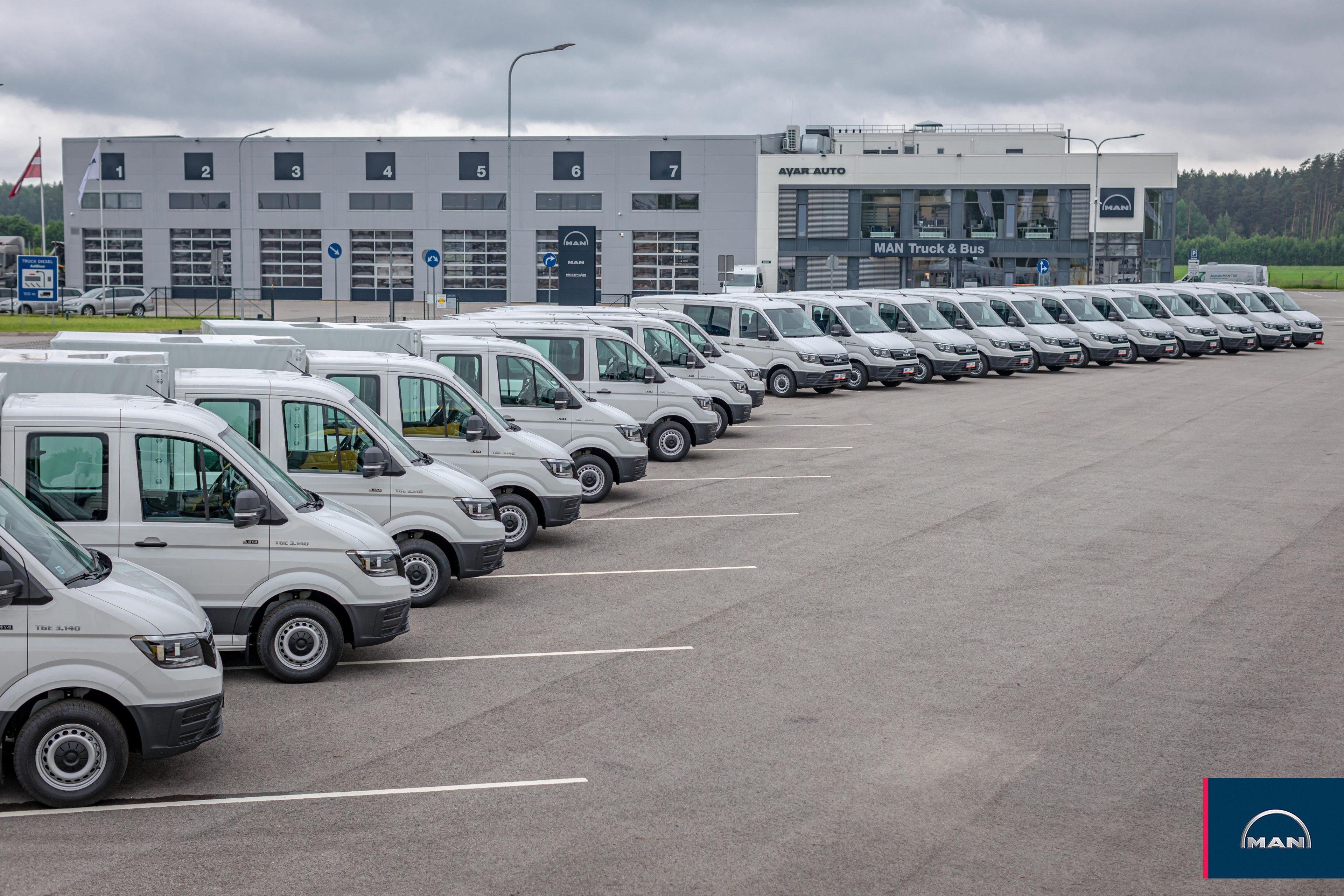 Avar Auto piegādājis 19 jaunus MAN TGE kravas furgonus Latvijas dzelzceļam