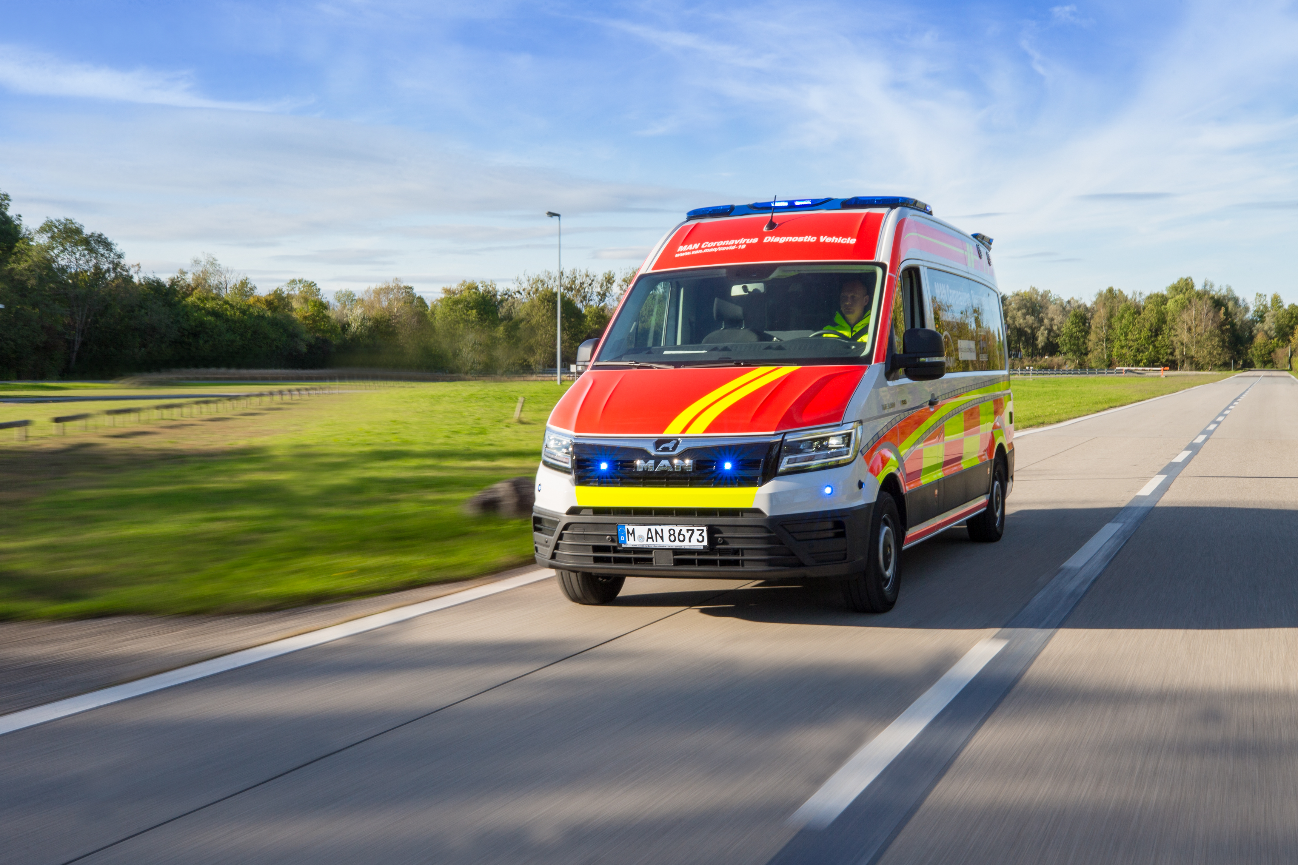 MAN presents Covid-19 test vehicle for fast PCR test results